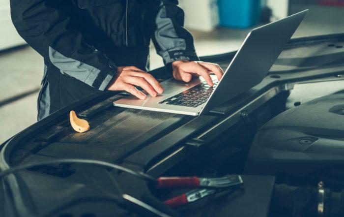 NO adquirir software ilegal UEAC gremio mecánica